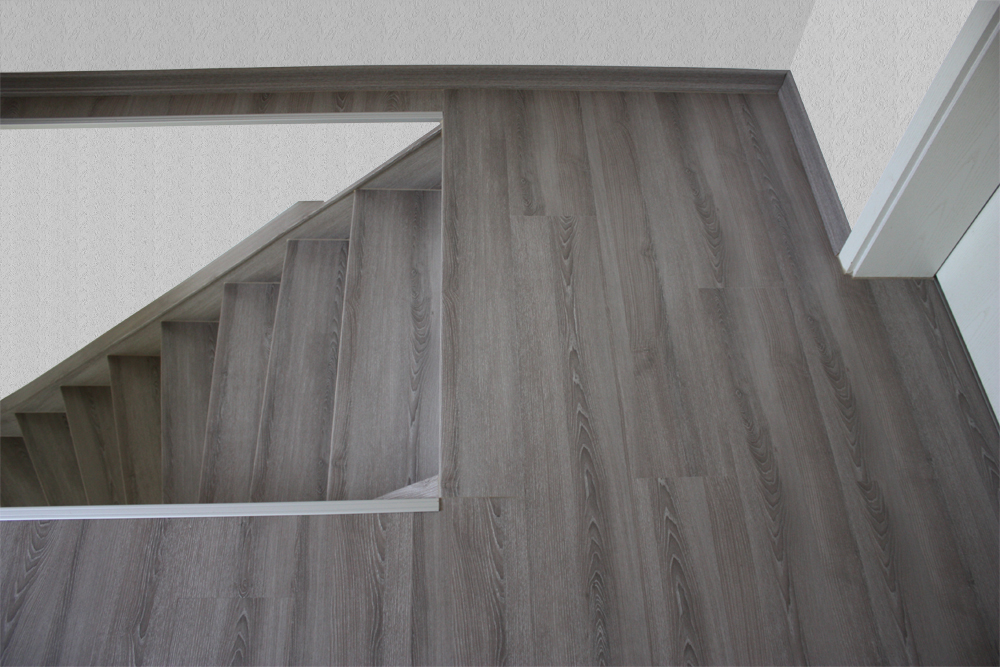 Treppengeländer Holz Hamburg ~   Stendal, Mooreiche, Treppensanierung von Tresabo, Nr 1 in Deutschland